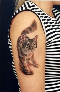 It takes a lot of dedication to get a tattoo like these ones, but the creativity, artistic expression, and love for felines that goes into making them is easy to see. Pretty Tattoos, Love Tattoos, Beautiful Tattoos, Body Art Tattoos, Wing Tattoos, Cat Tattoo Designs, Design Tattoo, Black Cat Tattoos, Animal Tattoos
