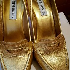 "Steve madden gold heels Gols steve madden gold heels. Brand new with box. 4 1/2 "" heels. Steve Madden Shoes Heels"