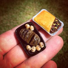Looks good enough to eat -roast beef and meat pie!  check out our 900 minis @storyboxofyou