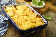 Gratin de pommes de terre light Wholemeal Bread Recipe, Bean Sprout Recipes, Scalloped Potato Recipes, Tummy Yummy, Weird Food, Batch Cooking, Food Lists, Casserole Dishes, Macaroni And Cheese