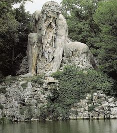 Colosso dell'Appennino in the Parco Mediceo di Pratolin , Italy . Jean Bologne. 1579 Via @julietteabry
