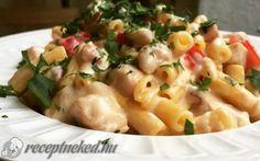 Tejszínes-sajtos csirkés tészta recept fotóval Hungarian Recipes, Hungarian Food, Penne, Family Meals, Pasta Salad, Potato Salad, Macaroni And Cheese, Bacon, Meat