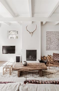 Amazing Tips: Minimalist Living Room Design Plants minimalist interior living room coffee tables.Minimalist Interior Home Natural Light minimalist living room minimalism modern. Home Living Room, Living Room Designs, Living Room Decor, Living Spaces, Rustic Modern Living Room, Living Area, Scandi Living Room, Artwork For Living Room, Modern Rustic Decor