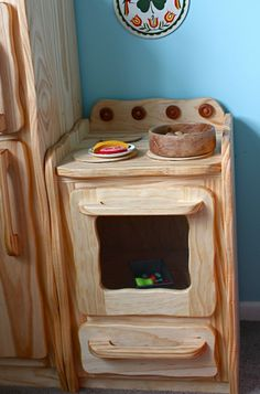 Wooden Play Oven by woodbotherer