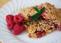 Raspberry and oat traybake - A moreish treat