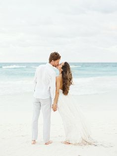 Effortless beach wedding style. #beachwedding #destinationwedding