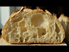 Sourdough bread made with flour, water and salt only. There is no commercial yeast. Only ferment with Levain, which is a fermented mixture of flour and water. Making Sourdough Bread, Brioche Bread, No Knead Bread, How To Make Bread, Pitaya, Bread Baking, Bread Recipes, Easy Meals, Food