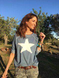 El blog de Eugenia Silva - All About Eu pantalón verde jersey gris