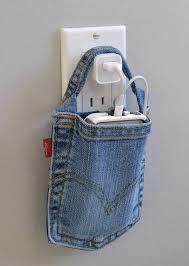 Volete scoprire quante cose di possono fare e come riciclare pantaloni vecchi? Borse, grembiuli, porta cellulare e tanto altro!