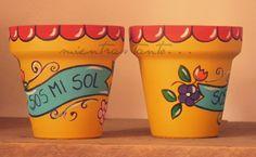 Maceta pintada                                                       … Decorative Clay Pots, Ceramic Pots, Terracotta Pots, Painted Pots, Painted Signs, Hand Painted, Cactus Planta, Cactus Pot, Cactus Decor