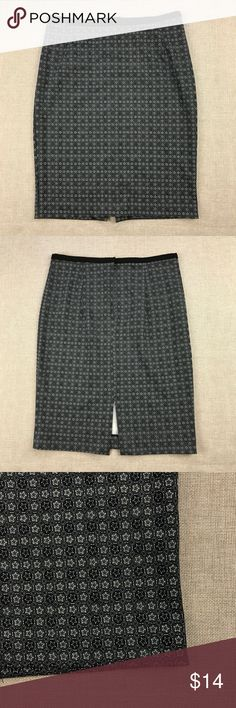 """H&M Pencil Stretch Skirt 🌸 H&M Pencil Stretch Skirt Women's Size: 6 No flaws. Material: 95% Polyester 5% Elastane Measurements lying flat: Waist 13"""", Hips 17"""", Length 21"""". Please, review pictures. You will get the item shown. Smoke & pet free home. H&M Skirts Pencil"""