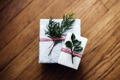 Ethical Gift Guide to Love People & Help Our Planet edition) – Scraping Raisins Holiday Gift Guide, Holiday Gifts, Sustainable Gifts, Gifts For Readers, Vegan Gifts, Gifts For Photographers, Last Minute Gifts, Corporate Gifts, Christmas Presents