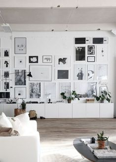 urbnite // gallery wall inspiration, arrangements, styling, home decor for every part of the house, interior decorating Scandinavian Interior, Home Interior, Interior Architecture, Interior Decorating, Contemporary Interior, Decorating Ideas, Minimalist Scandinavian, Modern Minimalist, Living Room Inspiration