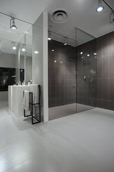 Love Tiles showroom in Lisbon, season 2011. Interior designe by Cristina Jorge Carvalho.