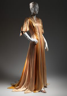 Charles James (American, born Great Britain, 1906–1978). Ribbon Dressing Gown, 1938–40. Brooklyn Museum Costume Collection at The Metropolitan Museum of Art, Gift of the Brooklyn Museum, 2009; Gift of Edalgi Dinsha, 1944 . #CharlesJames