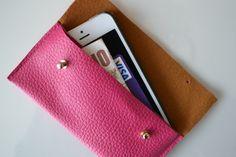 DIY pink leather envelope phone case | www.angelinthenorth.com