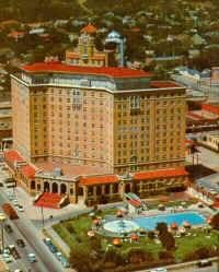 Baker Hotel, Mineral Wells, Texas PostCard - Oh the secrets this hotel still holds. Scary Places, Haunted Places, Places To See, Creepy Things, Old Abandoned Buildings, Abandoned Places, Mineral Wells Tx, Haunted Hotel, Texas History