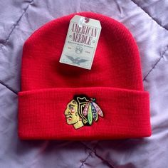 NWT Chicago Blackhawks Beanie Show off your Blackhawks pride with this brand new beanie by American Needle. Knit construction with embroidered logo. I also have this in black! No trades. Price is firm. Go Hawks!❤️🏒 American Needle Accessories Hats