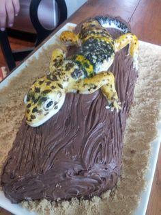 My fondant leopard gecko cake