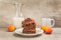 Vegan & gluten free chocolate pancakes - recipe by food freshion, pic by lumikki photography