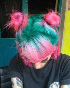 Inspiring Pastel Hair Color Ideas – My hair and beauty Hair Inspo, Hair Inspiration, Pelo Multicolor, Dye My Hair, Dyed Hair Pink, Hot Pink Hair, Green Hair Ombre, Pastel Green Hair, Pink Short Hair