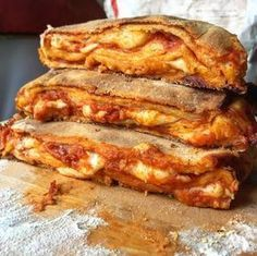 all italian food Italian Cookie Recipes, Sicilian Recipes, Sicilian Food, Comida Siciliana, Lunch Recipes, Cooking Recipes, Vegetarian Pie, Focaccia Pizza, Breakfast Platter