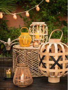 Discover the Maisons du Monde Hacienda decor trend and stock up on ideas for decorating your home. Hacienda Decor, Boho Lighting, Backyard Movie Nights, Bamboo Crafts, Style Deco, Italian Home, Ideias Diy, Lanterns Decor, Fairy Lights