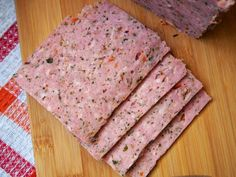 Herbal luncheon meat made with ground pork Sausage Recipes, Meat Recipes, Cooking Recipes, Home Made Sausage, Polish Recipes, Carne, Good Food, Food And Drink, Kielbasa