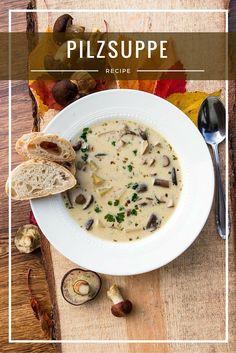 Zutaten: 2 EL Butter 1 EL Olivenöl 1 Zwiebel 500 gKartoffeln 300 g Pilze (z.B. ein paar Steinpilze, Maronen, Pfifferlinge) 1 TL getrockneter Oregano 80 ml Weißwein trocken 1 l Brühe (Rind, Geflügel oder Gemüse) Handvoll Petersilie 150 g Schmand Salz, Pfeffer Zubereitung Kartoffeln schälen und würfeln. Pilze säubern und in Scheiben schneiden. Zwiebelebenfalls würfeln. …