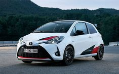 El nuevo Toyota Yaris GRMN detallado en 40 imágenes Aichi, General Motors, Toyota C Hr, Car Goals, First Car, Car Wrap, Cars And Motorcycles, Cool Cars, Automobile