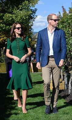 Nothing shady here  Prince William and the Duchess of Cambridge were right in sync – and wearing matching sunglasses – during their visit to Mission Hill Winery in Kelowna.