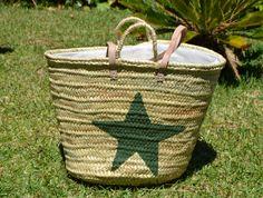 capazo estrella, color caqui, espacioso y muy de moda, a que esperas??? es para ti. www.limye.com