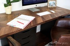OMG, cool desks are so hard to find and they can be so expensive. LOVE this Ikea desk and Ikea table hack. Such a great solution and I never would have thought of using that for the top of a desk or table! Ikea Kitchen Countertops, Ikea Table Hack, Ikea Desk, Office Furniture Stores, Ikea Furniture, Furniture Vintage, Furniture Design, Furniture Storage, Dining Rooms