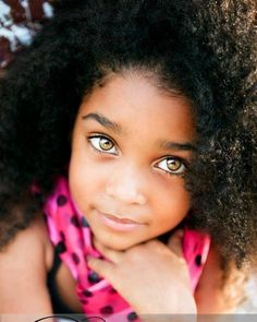 beautiful hair and gorgeous eyes Precious Children, Beautiful Children, Beautiful Babies, Most Beautiful Eyes, Black Is Beautiful, Amazing Eyes, Stunning Eyes, Gorgeous Girl, Lovely Eyes