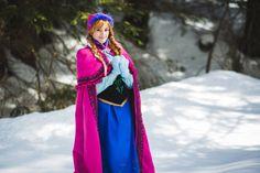 Disney´s Animation Movie: Frozen. Character: Anna.  Cosplayer: Lexi Farron Strife 'aka' QueenOfCosplay. From: France. Photo: Omaru, 2014.