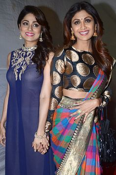 Shilpa-Shetty-&-Shamita-Shetty-wearing-jewellery-from-Anmol-Jewellers-at-Umang-Police-Show-2016
