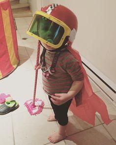 Ma cocotte déguisée en super-woman-pilote-vadrouille!  #melolapetitesouris #babygirl #enfant #deguisement #fille