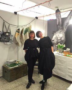 Wir grüßen von der #Blickfang Design Show aus Stuttgart. Habt einen wunderbaren Tag. #Design #Show #Stuttgart #Interior Tag Design, Bridesmaid Dresses, Wedding Dresses, Erika, Designer, Fashion, Art Nouveau, Stuttgart, Bridesmade Dresses