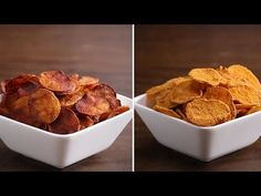 Baked Potato Chips 4 Ways: Here is what you'll need! Baked Potato Chips 4 Ways Serves: servings (per recipe) BBQ Chips 3 gold potatoes… Cheddar Chips, My Favorite Food, Favorite Recipes, Snack Recipes, Cooking Recipes, Tasty Videos, Ramadan Recipes, Baked Chips, Potato Dishes