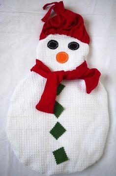 Bouillotte sèche en graines de lin, à mettre au micro-onde, bouillotte bonhomme de neige, idée cadeau noël, hiver, humour, de la boutique MAcreacouture sur Etsy