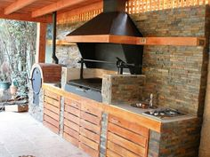 "Check out our internet site for more relevant information on ""outdoor kitchen designs layout patio"". It is a great spot to find out more. Outdoor Kitchen Bars, Backyard Kitchen, Summer Kitchen, Outdoor Kitchen Design, Backyard Patio, Outdoor Dining, Parrilla Exterior, Living Haus, Bbq Area"
