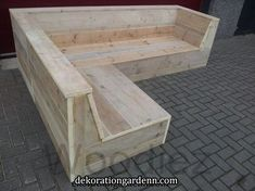 Steigerhouten hoekbank op maat Woodiez mountain range for all your perfectly finished scaffolding wood corner sofa and also for your scaffold planks garden furniture Pallet Patio Furniture, Diy Garden Furniture, Wood Furniture, Backyard Seating, Garden Seating, Outdoor Couch, Outdoor Decor, Diy Pallet Projects, Diy Home Decor