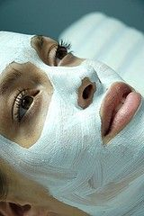 Baking Soda Mask: Mix 5-6 tbsp of baking soda with half tsp honey and a tsp or 2 of milk or water, enough to make a paate. Add about 4-5 caspules of Vitamin E. Mix and apply on face and rinse after 15 minutes.