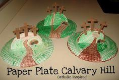 Familia Católica: Manualidad para el Viernes Santo: Haz las cruces del Calvario en un plato de papel