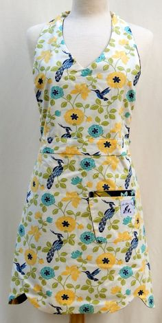 Reverse-Side of Bright Flowery Full Halter-Apron with Scalloped Bottom