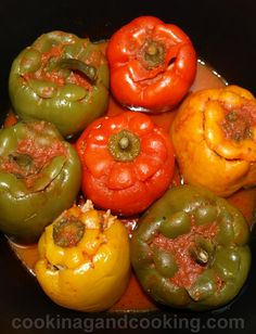 Green Pepper Dolma or Stuffed Green Pepper Armenian Recipes, Turkish Recipes, Persian Recipes, Iranian Cuisine, Iranian Food, Dolma Recipe, Green Pepper Recipes, Afghan Food Recipes, Beef Recipes