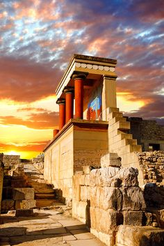 Knossos Palace (Built Around 1900 BC, Crete)  ...Beautiful and romantic Crete.