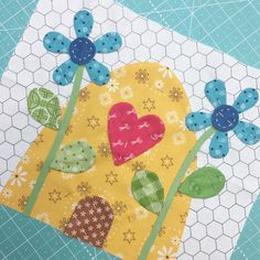 Beehive Block all ready to appliqué!!! ✂️✂️✂️ #beeinmybonnet #applique #appliquemadeeasy #beehappysewalong #beebasics #beebackgrounds #beebackingsandborders #sewsimpleshapes #iloverileyblake #fabricismyfun