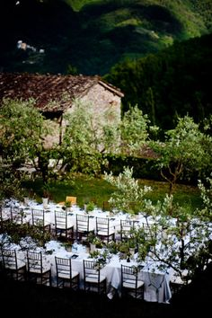 Italian wedding reception- this is kinda what we're thinking of doing....