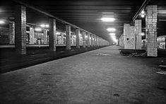 Lagerstätte:  Auf den für Passagiere nicht mehr erreichbaren Bahnsteigen...